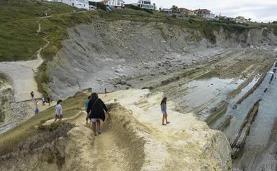 Alarma por la degradación natural de Costa Quebrada