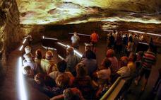 Cultura y la Unesco tratan de desbloquear en París la instalación del centro de arte rupestre