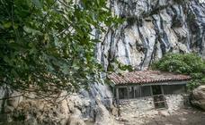 El Gobierno de Cantabria rehabilitará la ermita rupestre de San Juan