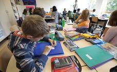 FAPA pide a Revilla que no haya «ningún cese» en Educación hasta que no se aseguren los servicios