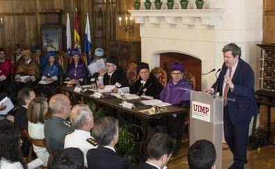 La UIMP clausura su actividad con la duda sobre la continuidad de su rector