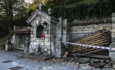 Se hunde parte del tejado del humilladero en Reina Victoria