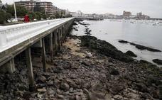Se pone en marcha la rehabilitación de un tramo del paseo marítimo de Castro