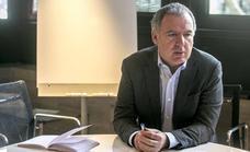 Vidal de la Peña dice que la actual formación es «una estafa» para los alumnos y «dinero dilapidado»