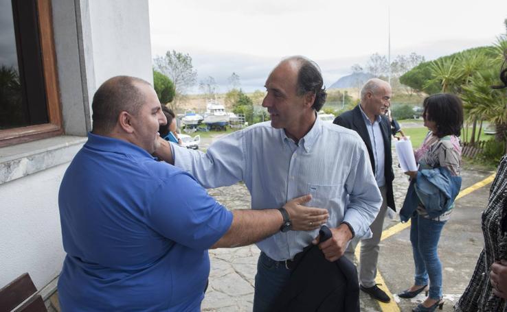 Diego reaparece en público