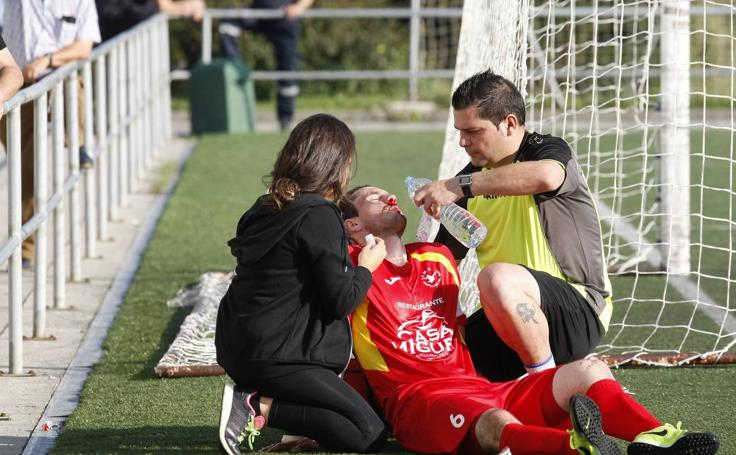 Imágenes del partido de fútbol Santillana-Gimnástica