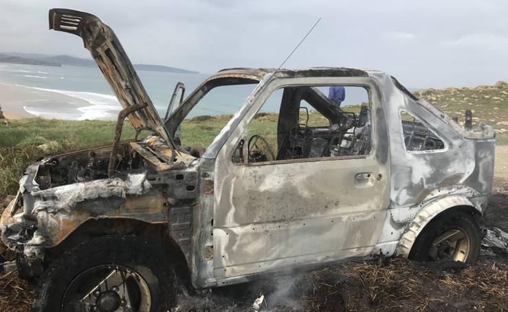 Arde un coche en Liencres
