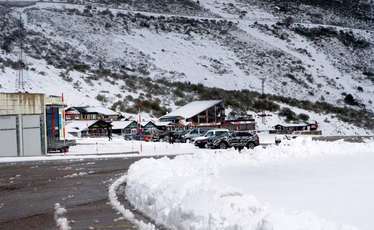 Nieve en la estación de Alto Campoo