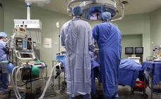 Un quemado integral salva su vida por el trasplante de piel de su hermano en París