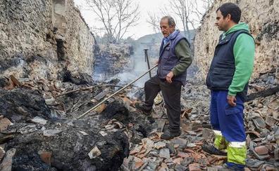 El fuego mata a 23 vacas tudancas estabuladas en una cuadra de Bielva