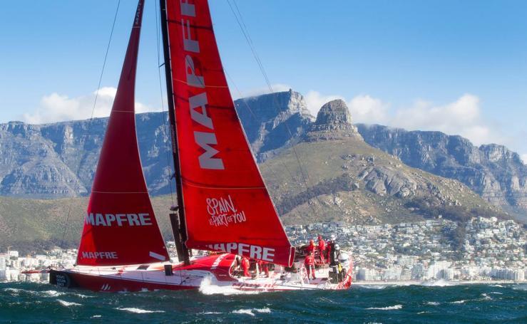 El 'Mapfre', a su llegada a Ciudad del Cabo