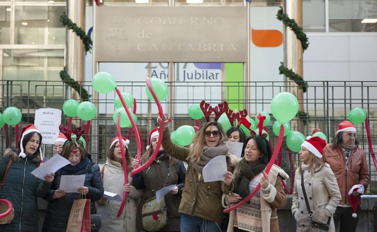 Protesta de las trabajadoras del CAD de Sierrallana