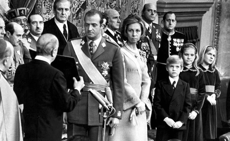 La vida del rey Juan Carlos, en imágenes