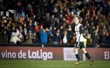 Vietto mete en cuartos al Valencia ante un Las Palmas sin garra