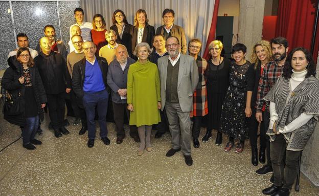 Participantes y organizadores de 'Postales desde el umbral'. /Daniel Pedriza