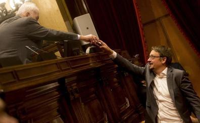 Domènech niega la connivencia con los secesionistas