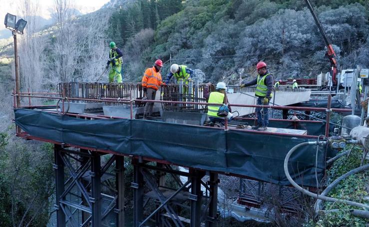 El puente de Lebeña toma forma