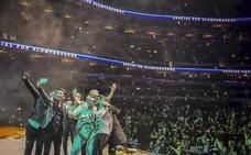 Raúl Alegría asombra a 21.000 espectadores en el teatro Arena Ciudad de México