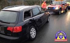 Una menor resulta herida leve en un accidente entre un camión y un turismo en Castro