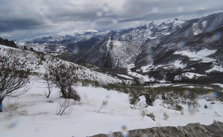 Un paseo por San Glorio bajo la nieve