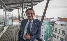 «No debería presentarme más, pero pienso en lo que sería mejor para Cantabria»