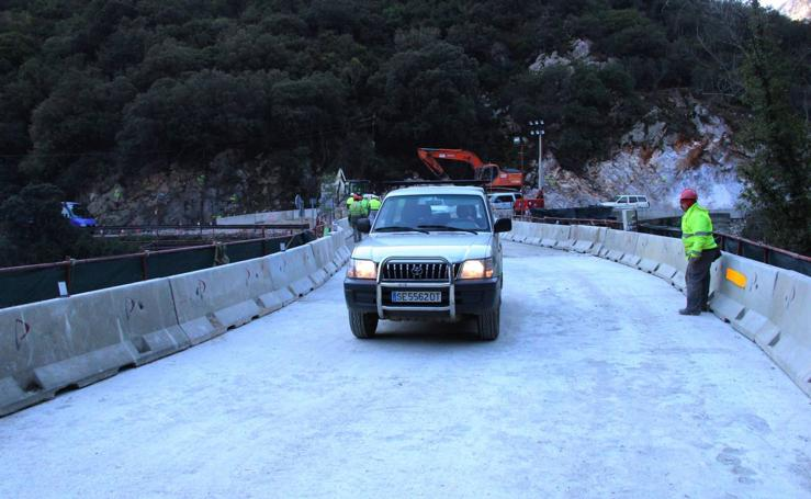 Abierto al tráfico el nuevo puente de Lebeña
