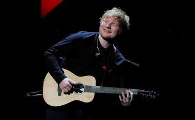 El músico británico Ed Sheeran fue el artista que más álbumes vendió en 2017
