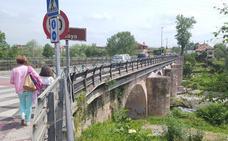 Cartes prepara la ampliación del puente romano sobre el río Besaya