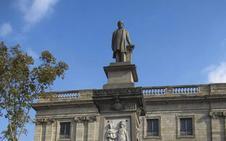 Comillas sale en defensa del marqués y pide a Barcelona que deje su estatua