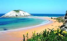 320.000 euros para limpiar las 18 playas rurales de Cantabria