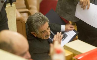 Revilla dice que es «ilegal» que los diputados formen parte de los consejos de administración de empresas públicas