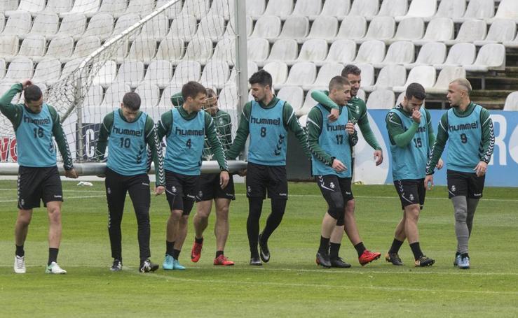 El Racing prepara el partido ante el Burgos