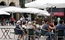 Torrelavega niega que la ordenanza de terrazas tenga afán recaudatorio