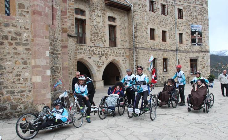 Un grupo de personas con discapacidad de Galicia se gana el jubileo en San Toribio