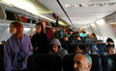 Retenido más de nueve horas un grupo de cántabros en el aeropuerto de Argel