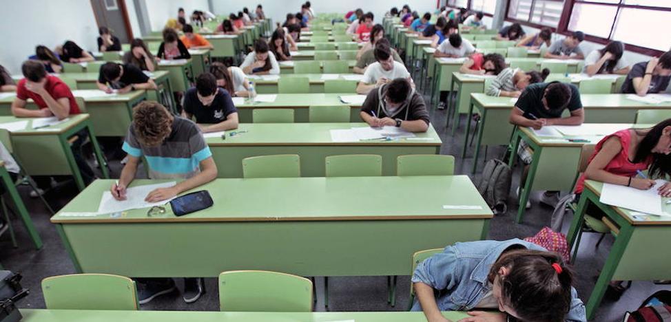 Dos universitarios valencianos 'hackean' a 40 profesores para mejorar sus notas