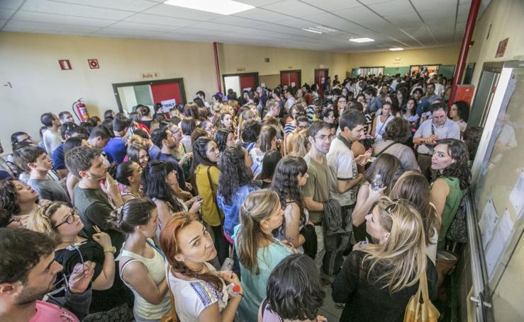 5.247 inscritos optan a las 406 plazas de las oposiciones docentes de Cantabria
