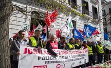Los policías locales de Cantabria vuelven a salir a la calle para pedir la jubilación anticipada