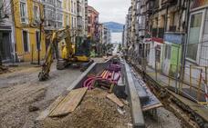 Cinco calles del centro de Santander permanecen cortadas al tráfico por obras municipales