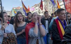 Más de 200 personas se manifiestan en Santander a favor de la Tercera República