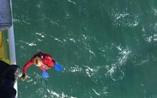 Sacan del mar el cadáver de un hombre frente a Ciriego