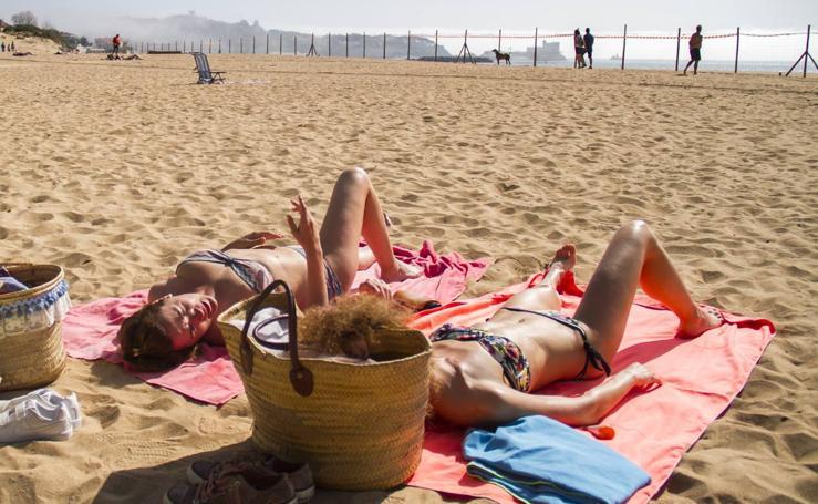 Sábado de calor y playa en Cantabria