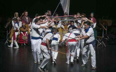 Mañana se celebra la Gala del Folclore Cántabro en el Palacio de Festivales