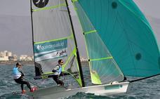 Diego Botín y Iago López mantienen la cuarta plaza en la regata de Hyères