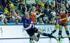 «En el extranjero se valora más el balonmano femenino»