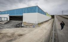 La obra de las cocheras del TUS exige hacer otra de 664.000 euros para adecentar el acceso