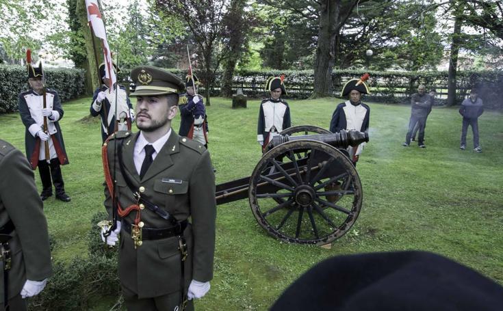 Camargo rinde homenaje a su héroe Pedro Velarde
