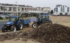 Las ayudas regionales para la limpieza de playas rurales llegarán a once municipios