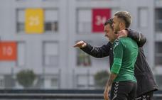 Pouso se blinda para San Sebastián a la espera de que Borja Lázaro se recupere