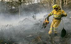 UGT reclama al Gobierno de Cantabria el reconocimiento de la categoría profesional del bombero forestal